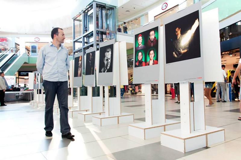 """Otvaranje 4. godišnje izložbe foto kluba """"Apolo"""" , Portret u kvadratu"""